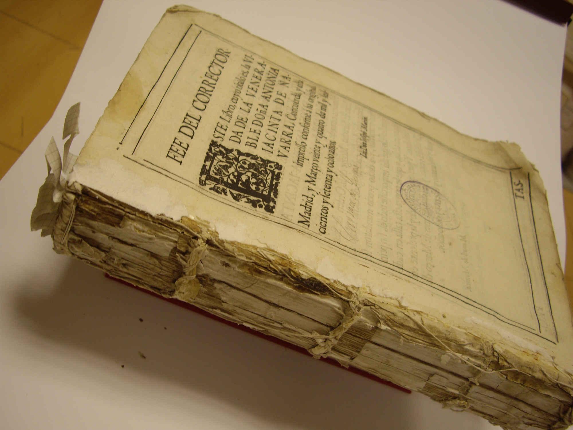 Restauración de Libro La Tesis